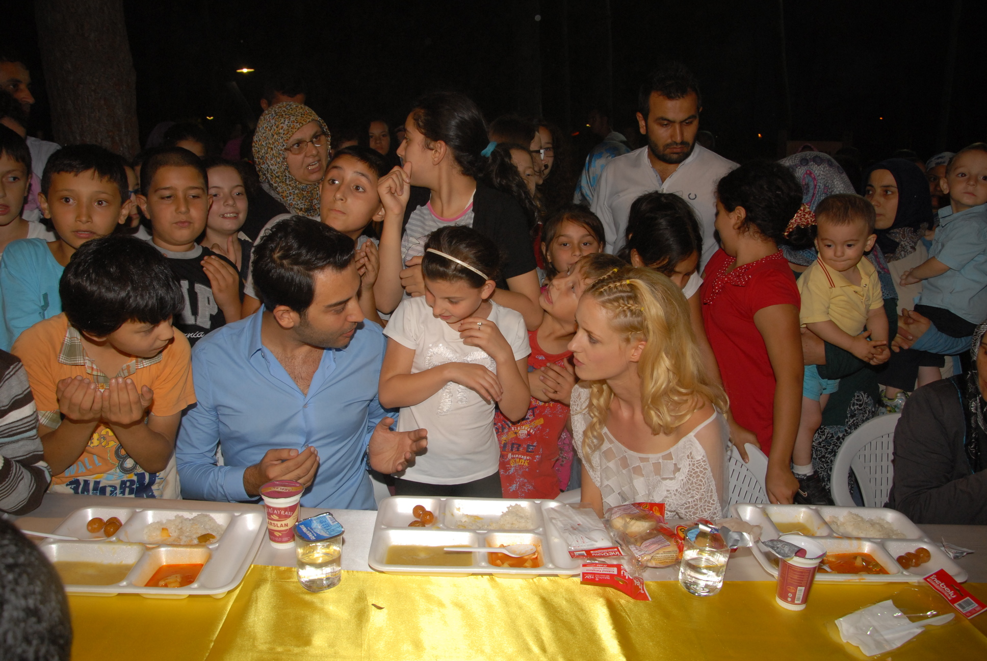 Arif Kerem Göğüş 1000 kişilik iftar yemeği